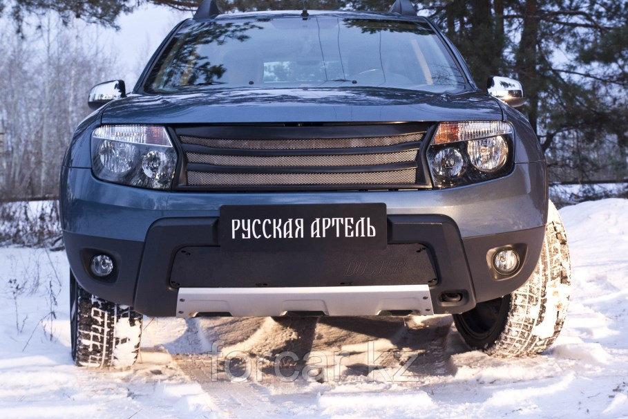 Зимняя заглушка решетки переднего бампера (без «дхо» с обвесом) Renault Duster 2010-