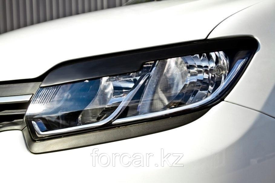 Накладки на передние фары (реснички) Renault Sandero 2014-