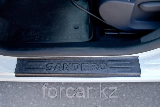 Накладки на внутренние пороги дверей Renault Sandero 2014-, фото 2