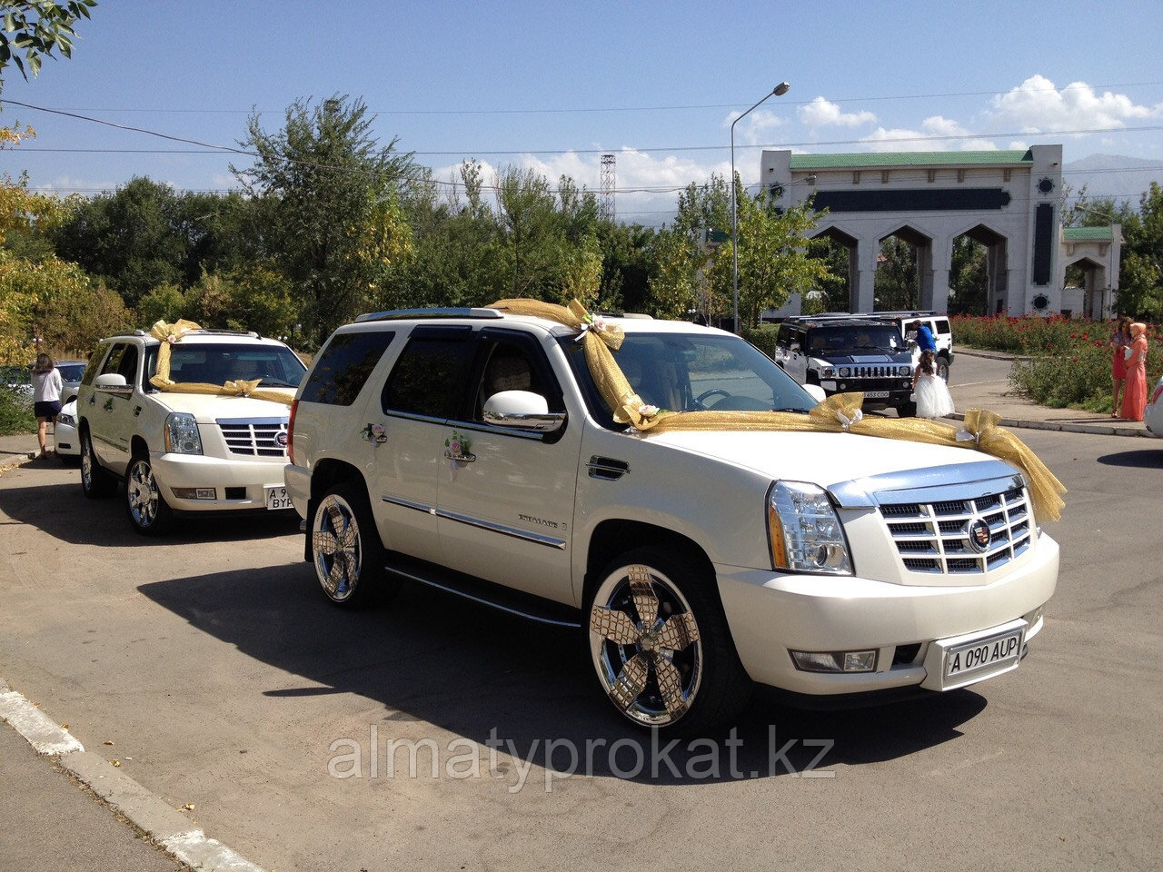 Прокат/аренда джипа Cadillac Escalade (Кадиллак Эскалейд)