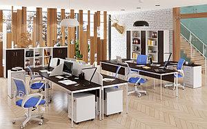 Офисные столы на металлических ножках