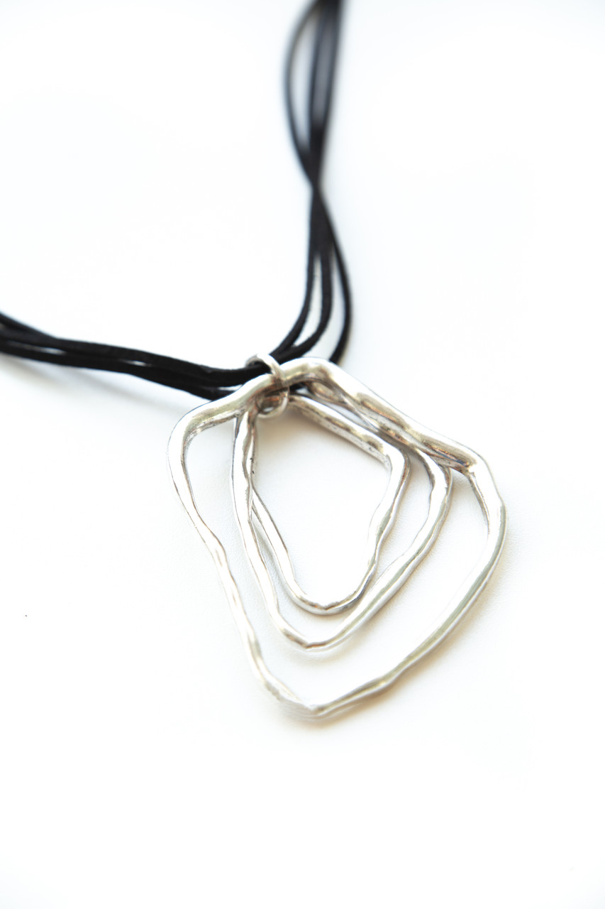 Массивные Колье из веревки и шнура Brosh Jewellery Тренд 2020г ( серебро)