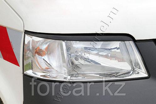 Накладки на передние фары (реснички) Volkswagen Transporter 2003, фото 2