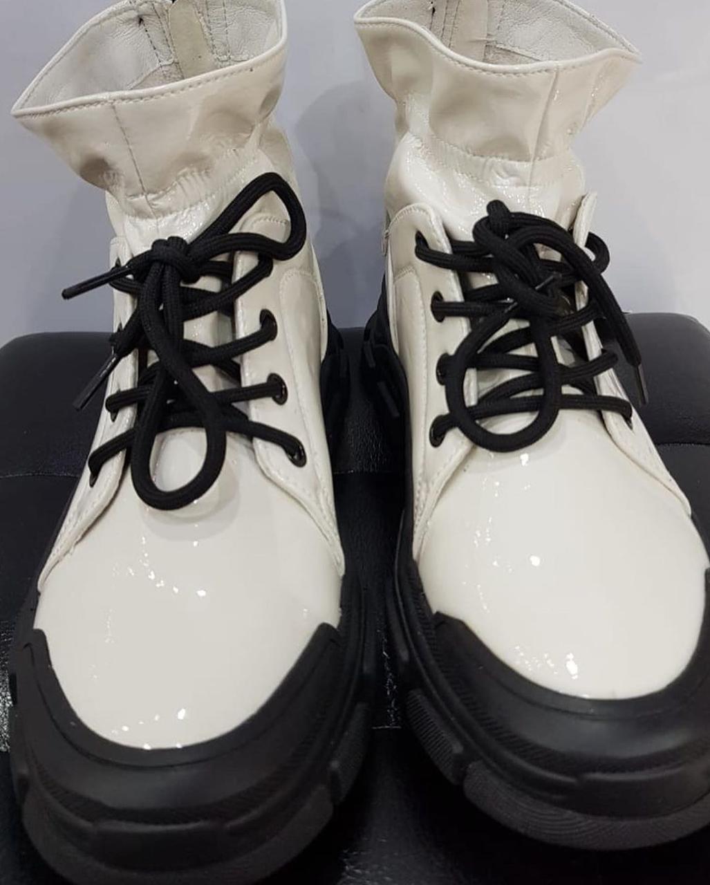 Кроссовки лаковые - фото 2