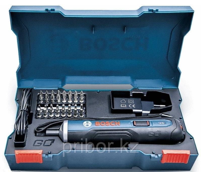 Аккумуляторная отвертка в наборе с битами Bosch GO kit