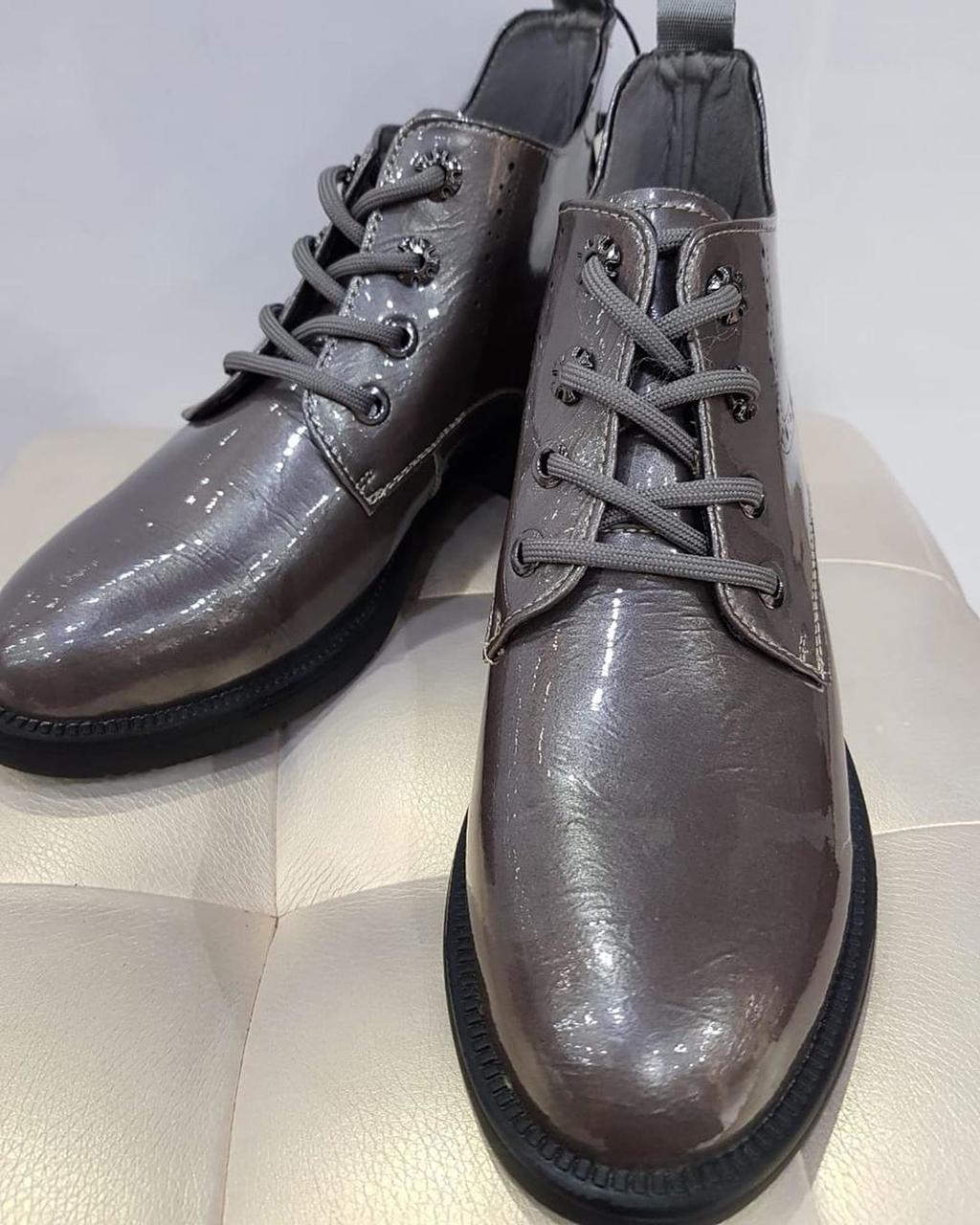 Ботинки лаковые - фото 3