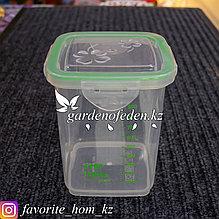 Контейнер для хранения, с мерной шкалой, с крышкой. Материал: Пластик. Цвет: Прозрачный/Зеленый. Объем: 1.1л.