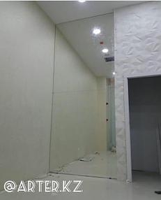 Настенное зеркало 1