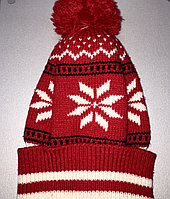Шапка красная снежинка