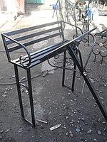 Металлические столы и лавки на кладбище, фото 1
