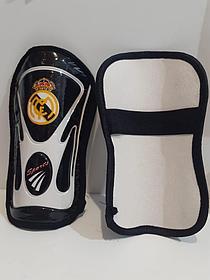Футбольные щитки Real Madrid  (цвет чёрный)