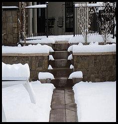Обогрев уличных площадок и лестниц