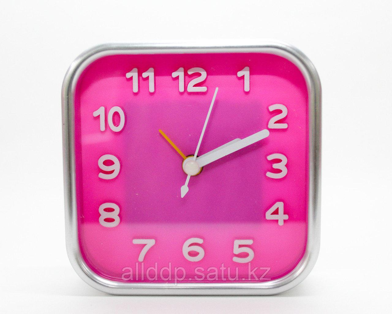 Часы-будильник квадратные, розовые, 10 см