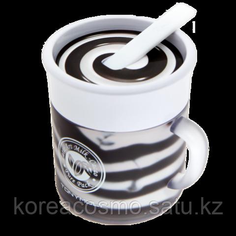 Маска для очистки и сужения пор TONYMOLY Latte Art Milk Cacao Pore Pack