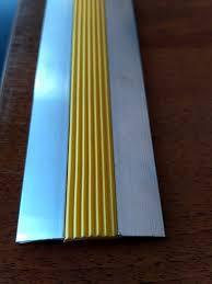 Алюминиевый противо скользящий порожек 4680, фото 2