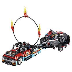 LEGO Игрушка Техник Шоу трюков на грузовиках и мотоциклах