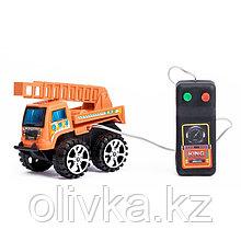 Машина «Стройтехника», на дистанционном управлении, работает от батареек, МИКС