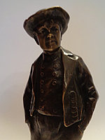 Бронзовая скульптура «Горожанин» Ханс Кек