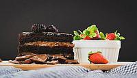 Шоколадный торт с арахисовой пастой