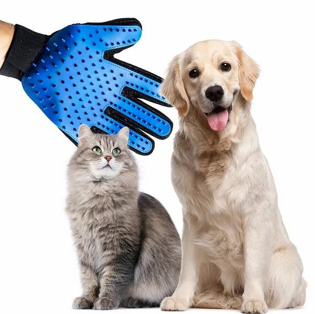 True Touch Перчатка для вычесывания шерсти