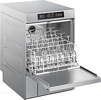 Посудомоечная машина SMEG UD522D серия TOPLINE со встроенными дозаторами моющего и ополаскивающего средств.