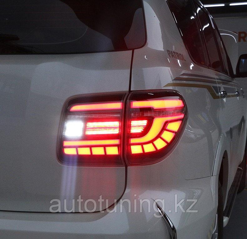 Обновленная задняя оптика (тюнинг фонари) на Nissan Patrol с 2010 г. по 2019 г.  LED с динамическим поворотник