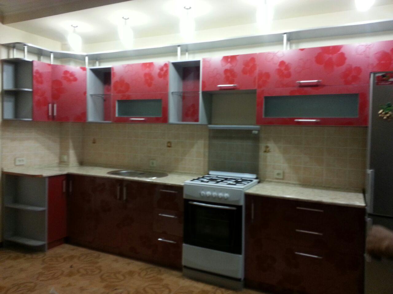 Кухонный гарнитур из акрила