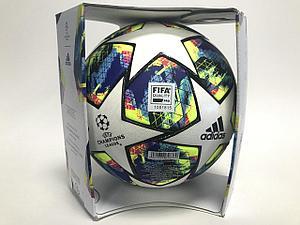 Новый мяч adidas для группового этапа Лиги чемпионов ©UEFA.com