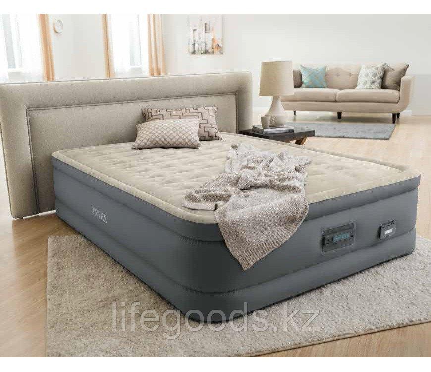 Надувная кровать двуспальная со встроенным насосом и USB-портом Intex 64926