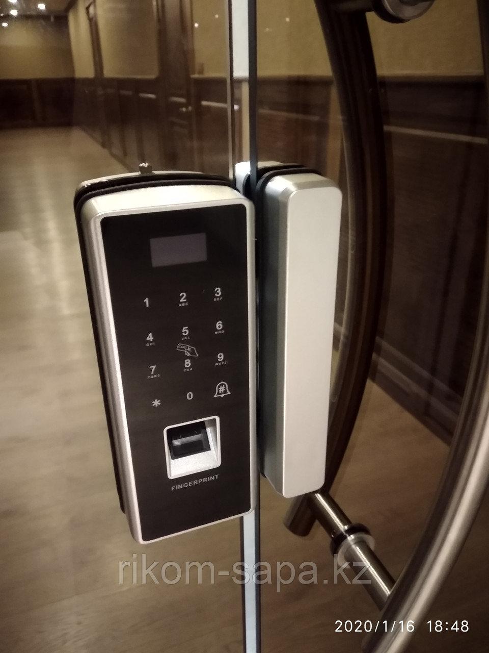 Электронный замок на стеклянную дверь