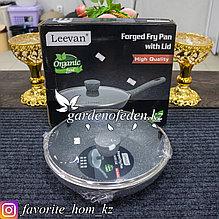"""Сковорода с крышкой """"Leevan"""". Материал: Металл/Стекло. Цвет: Серый/Прозрачный. Диаметр: d=26см."""