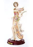 Фарфоровая статуэтка Богиня Фортуна. Ручная работа, Италия