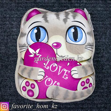 "Мягка игрушка-подушка ""Котик с сердцем"". Материал: Синтепон. Цвет: Разные цвета., фото 2"