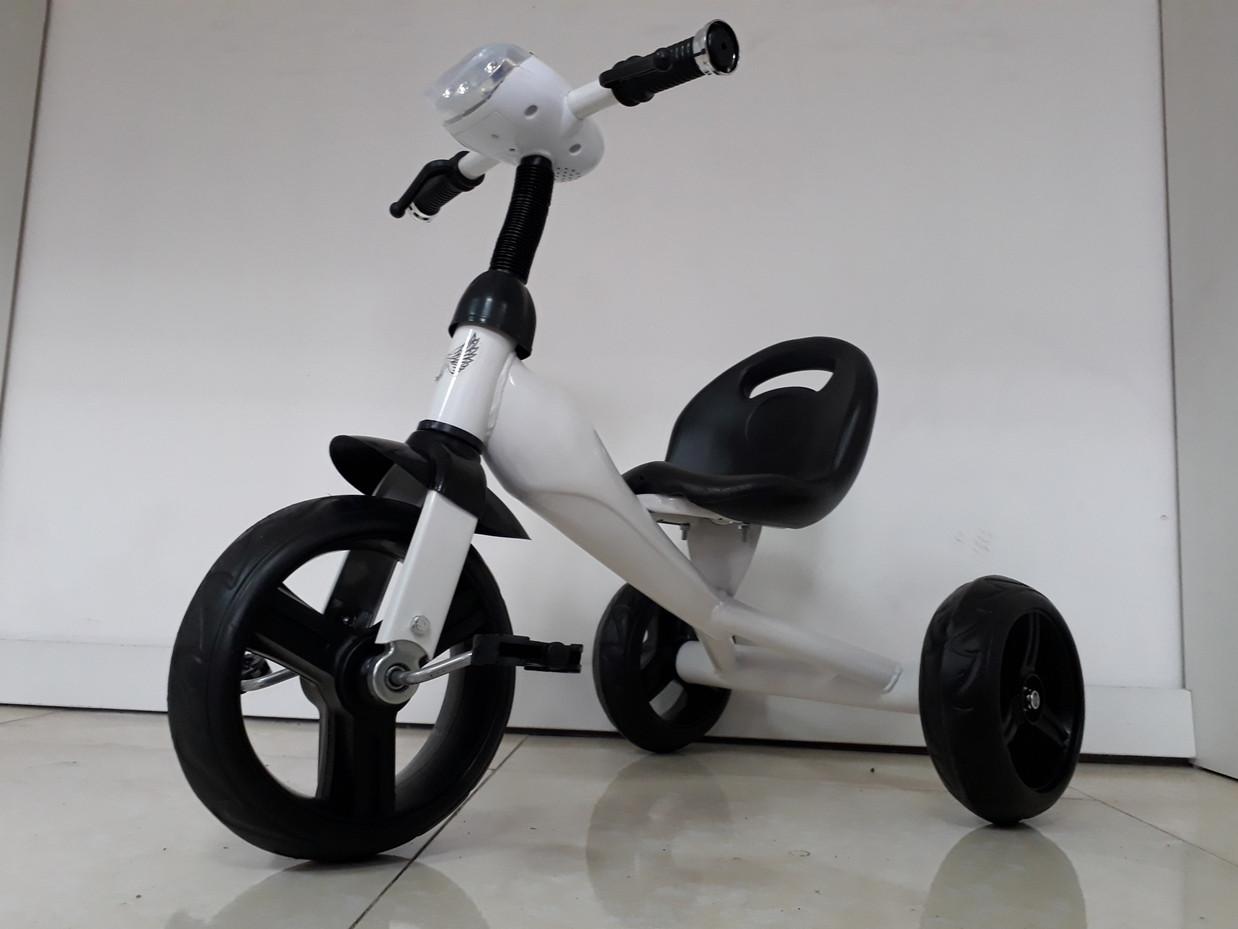 Трехколесный велосипед для детей Future с передней фарой и мелодиями