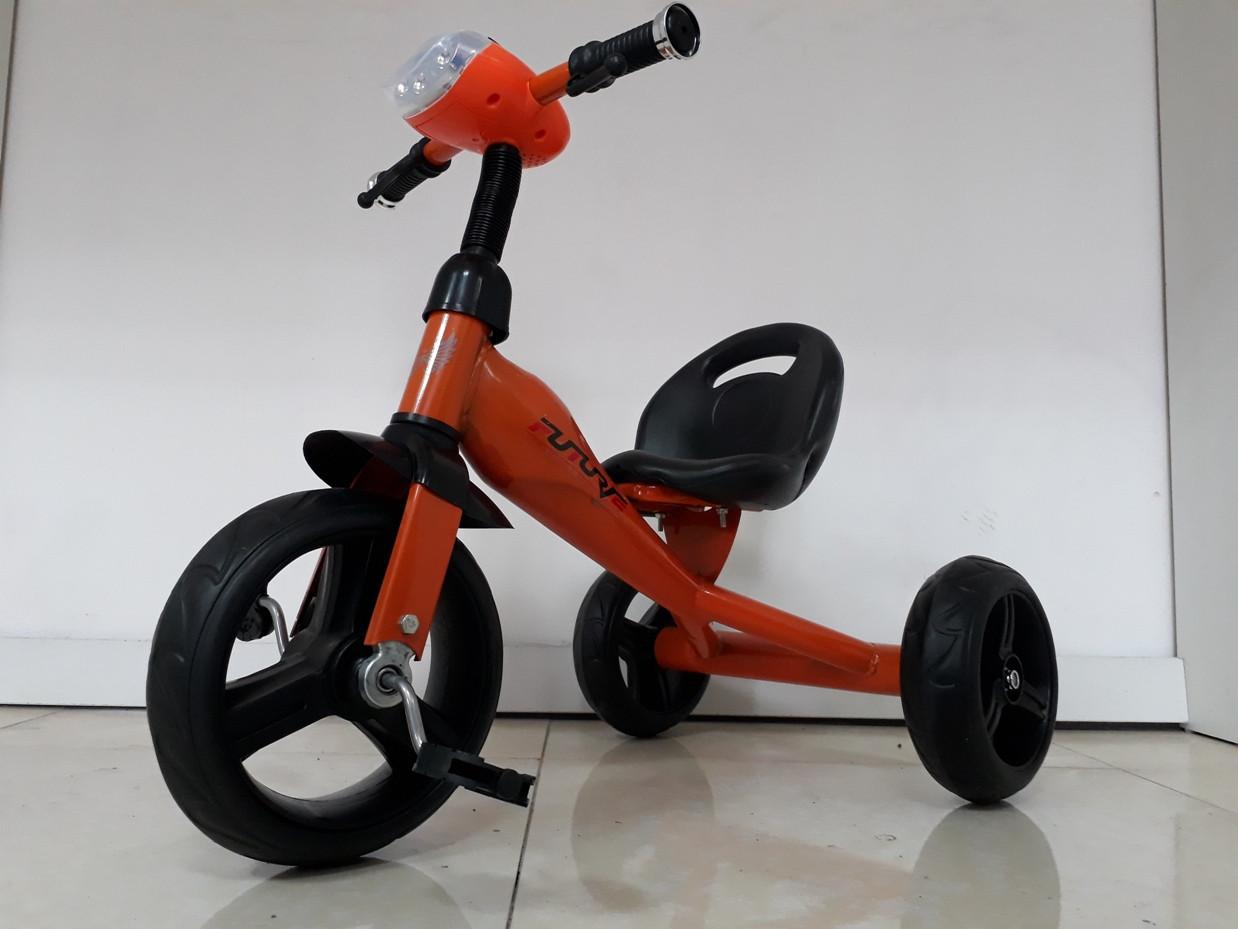 Велосипед трехколесный для детей Future с передней фарой и мелодиями