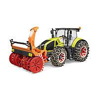 Трактор Bruder Claas Axion 950 c цепями и снегоочистителем