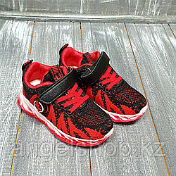 Кроссовки текстильные (красные)