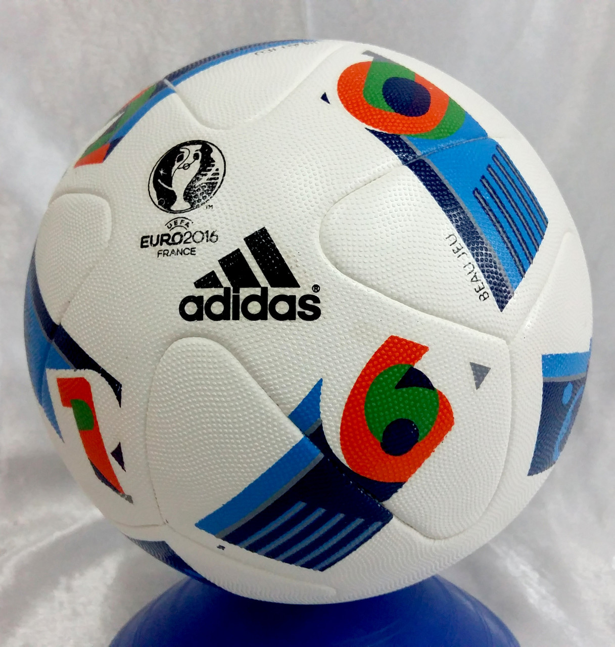 Мяч футбольный Adidas Чемпионат лига UEFA 2016 size 5