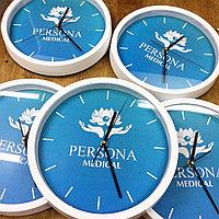 Нанесение логотипов на часы для офиса