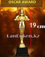 Фигура сувенирная Оскар с квадратной подставкой средняя (19 см) с возможностью гравировки