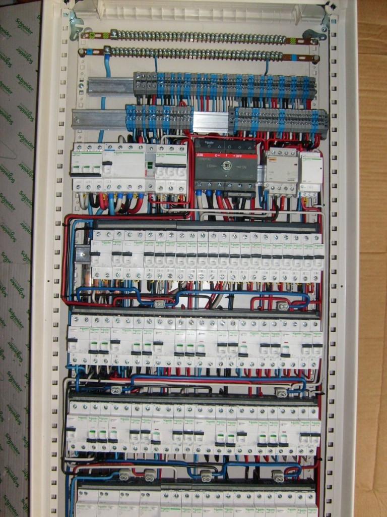 Монтаж электрощитов