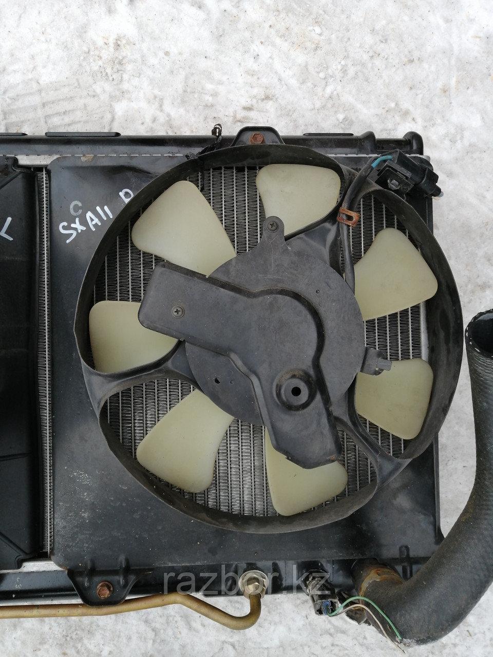 Вентилятор радиатора правый Toyota RAV-4.