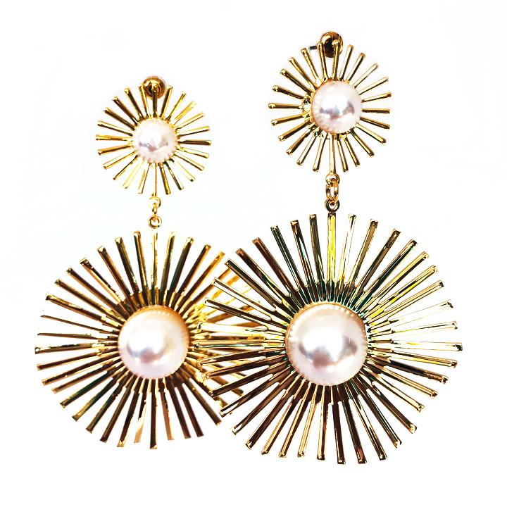 Вечерние серьги с декоративным Жемчугом Brosh Jewellery. Цвет; золото, серебро.