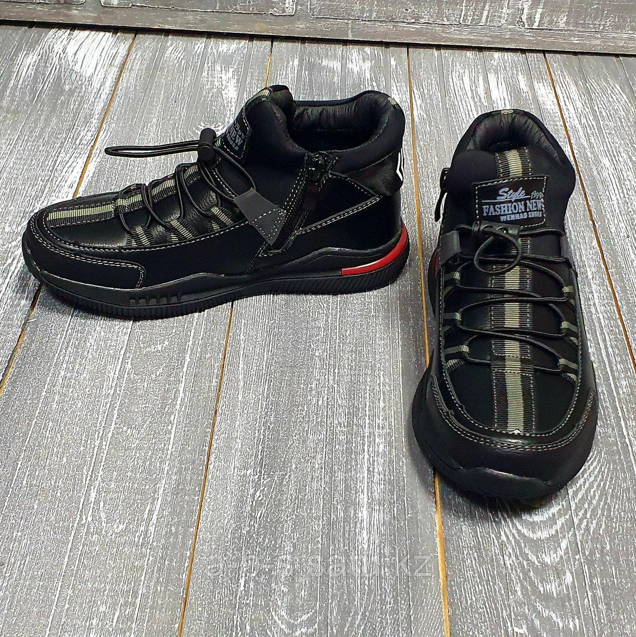 Ботинки черные на шнуровке SLV