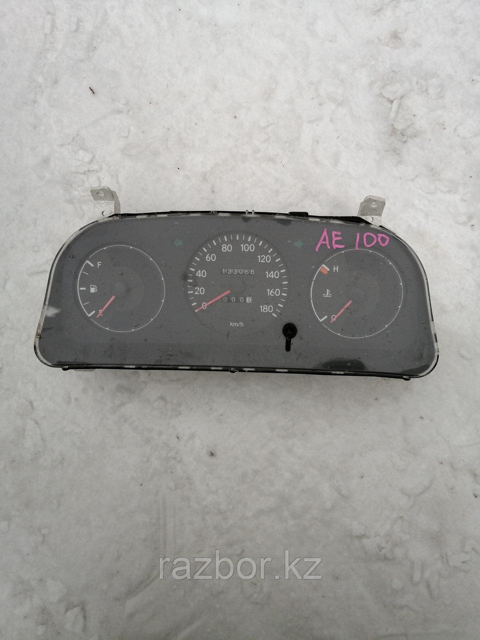 Приборная панель Toyota Corolla 1995.