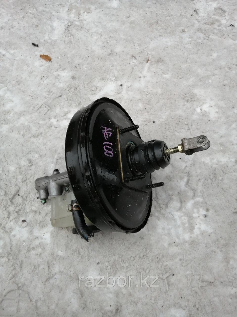 Вакуумный усилитель тормозов Toyota Corolla 1995.