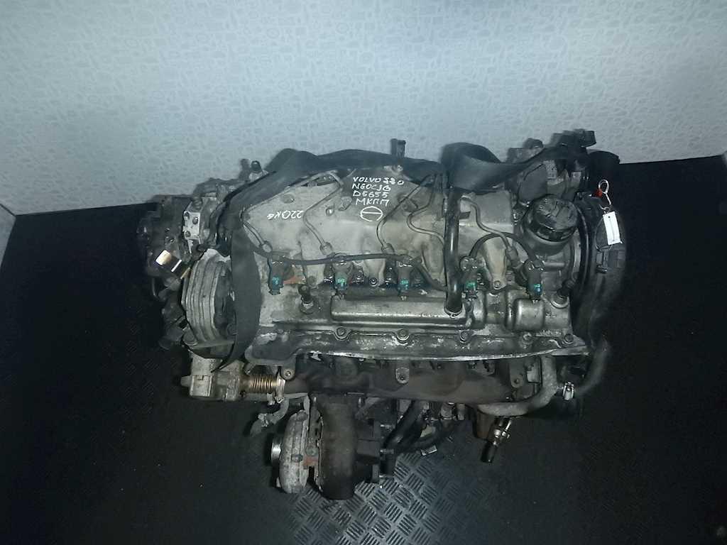 Двигатель (ДВС) Volvo S70 V70 2  D5244T