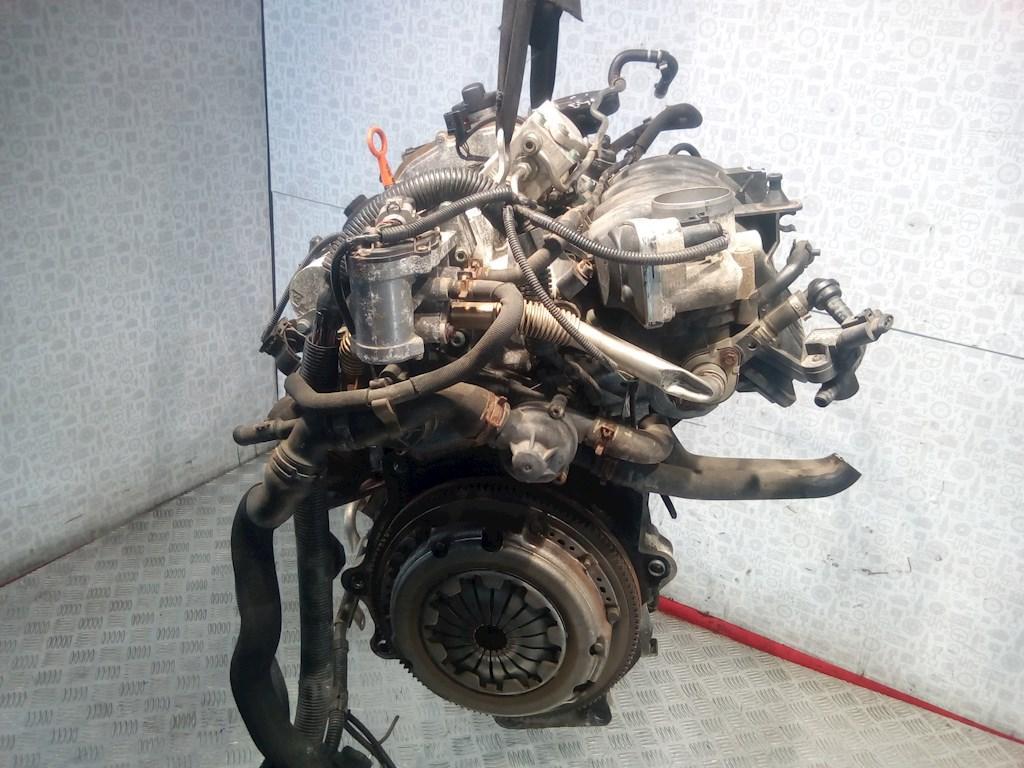 Двигатель (ДВС) Volkswagen Polo 4  AXU