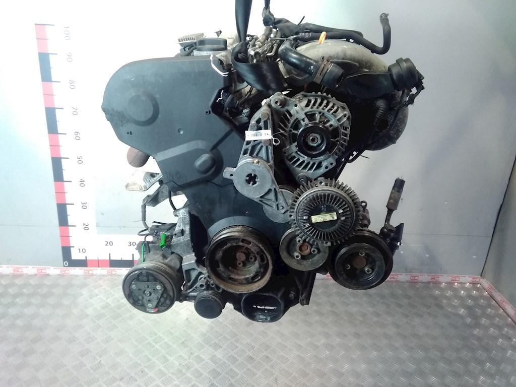 Двигатель (ДВС) Audi A4 B5  ADR
