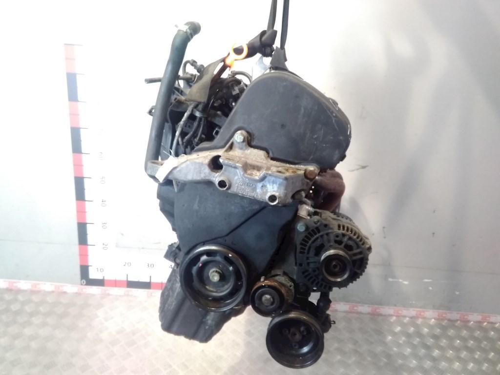 Двигатель (ДВС) Volkswagen Golf 4  AKQ
